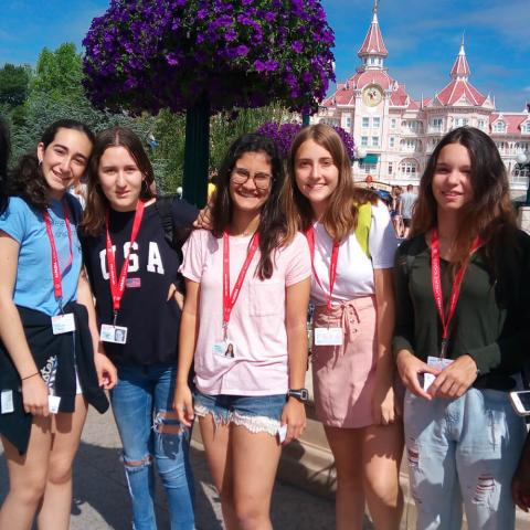 Paris-Igny Summer Camp Premium+ Aumusement park activity
