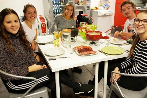 Enjoy cooking classes in Zurich with Alpadia Zurich Language school
