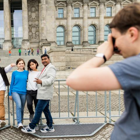 alpadia students sightseeing in berlin