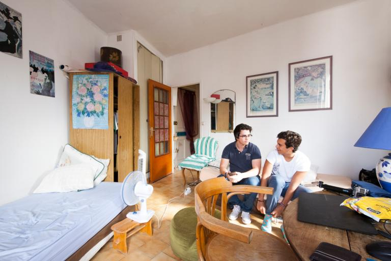 Alpadia Lyon host family accommodation